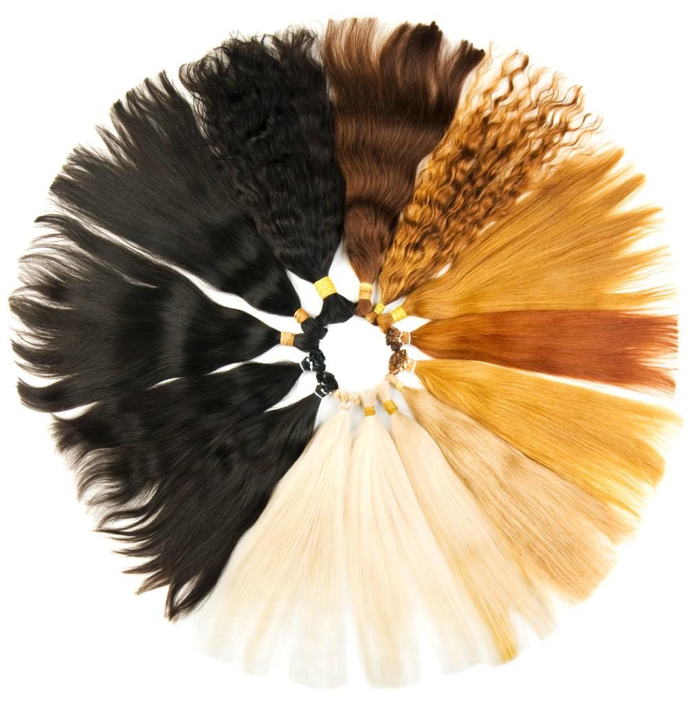 Ponerte las extensiones de pelo en casa es una mala idea