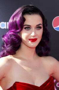 Famosas que llevan extensiones de pelo Katy Perry